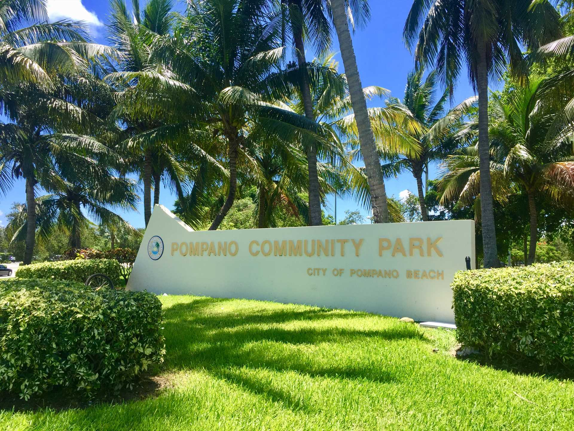 Pompano Community Park features basketball, volley ball and