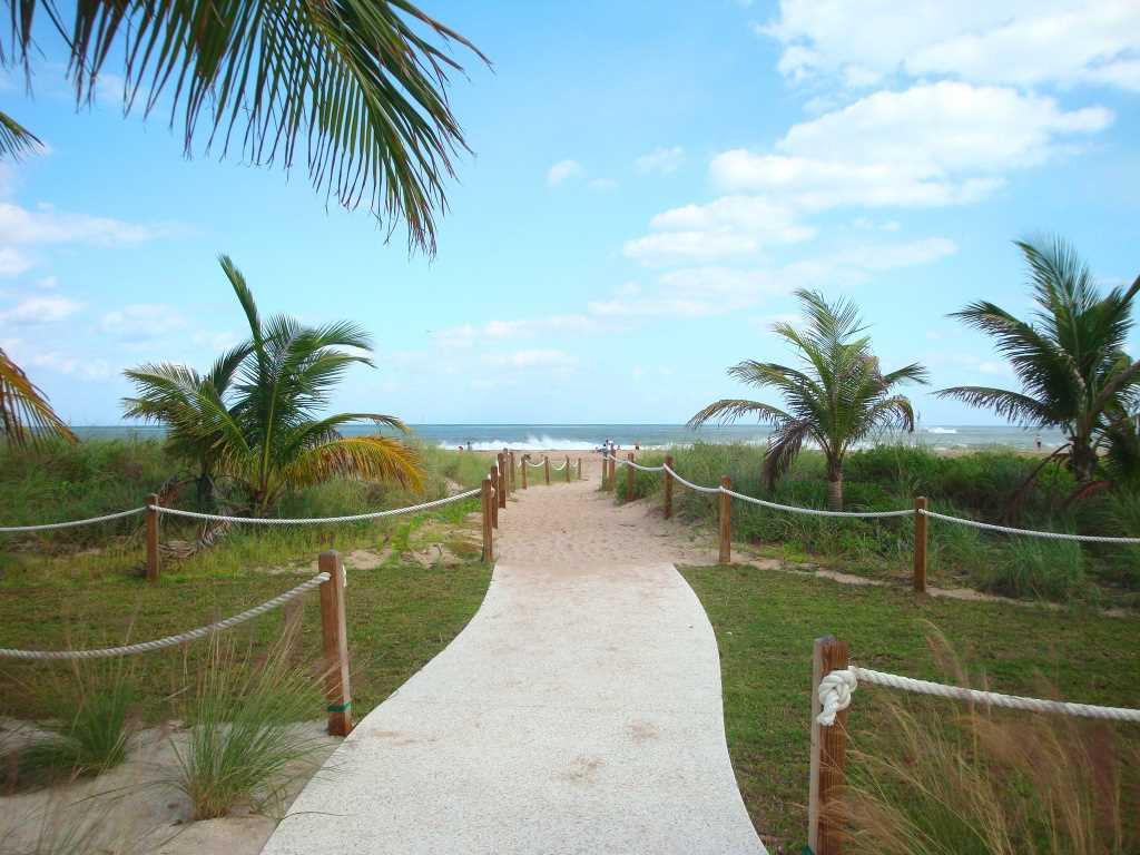 The many beach entrances show the way to one of Florida&apos