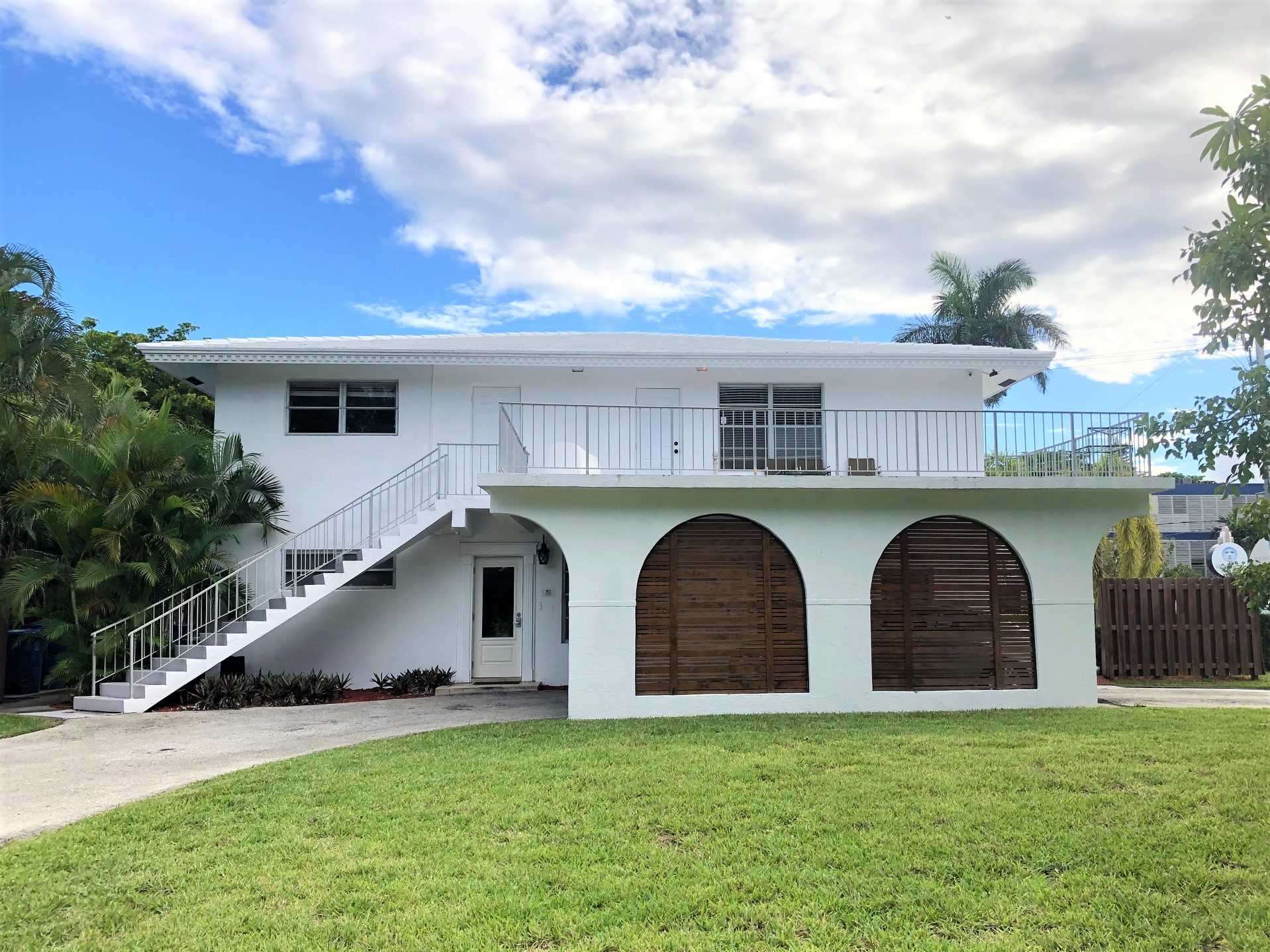 Sand Dollar Town Home by the Sea is only a ten minute walk t