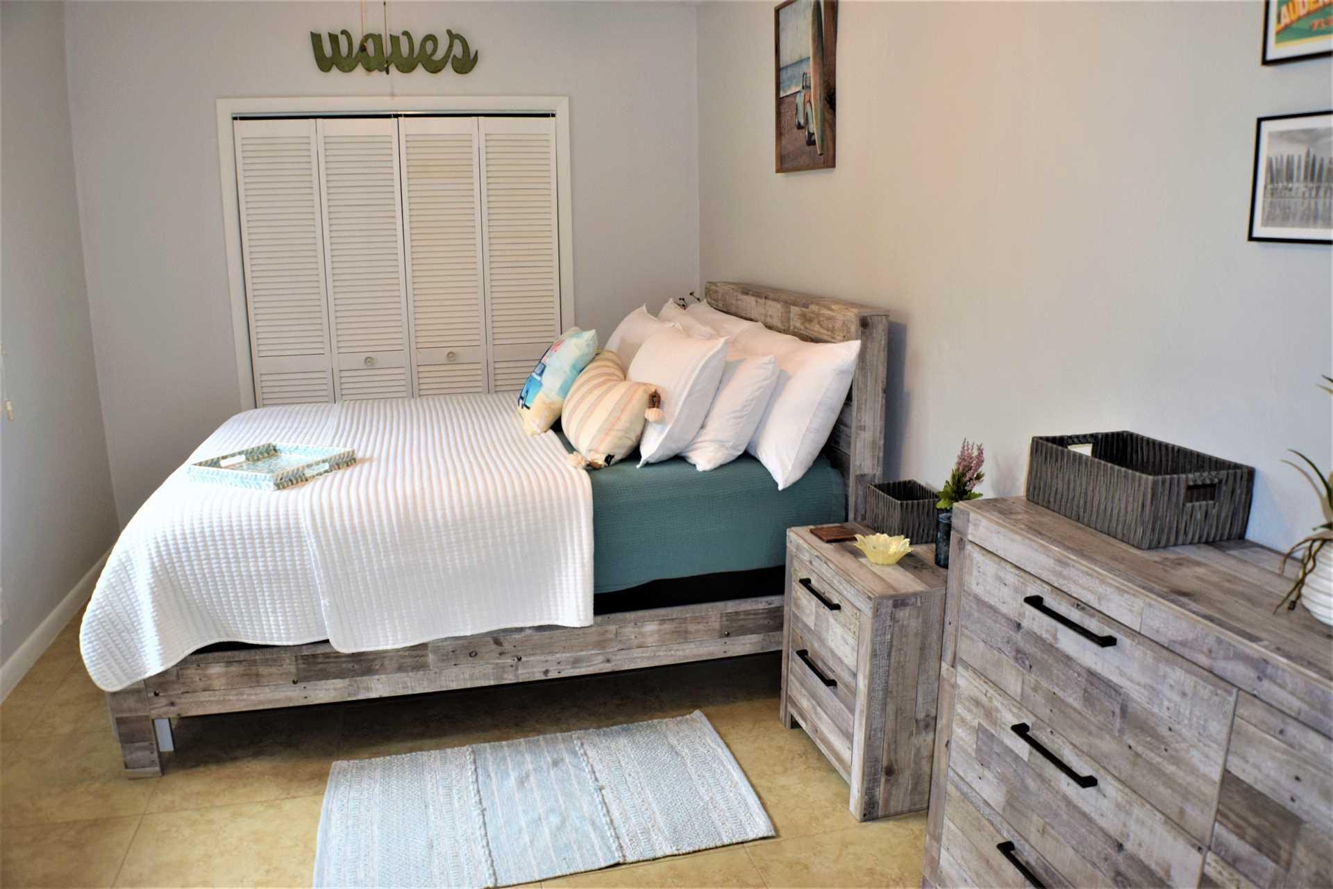 Second bedroom has queen bed